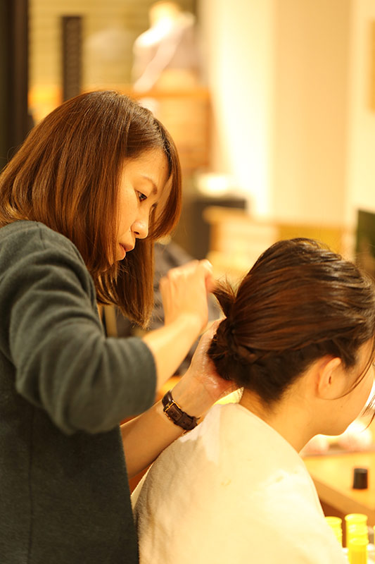 プロによるヘアーメイク